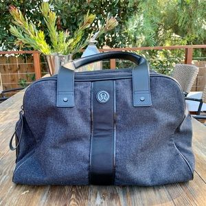 Lululemon Gym Yoga Travel Duffle Overnighter Bag